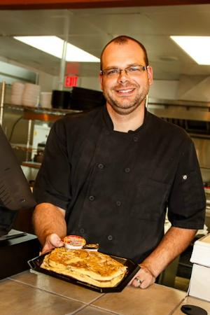 Kalamazoo County, MI: Chef serving from the counter