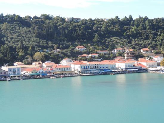 How to spend a perfect day in Katakolon, Greece - The Yogi ...