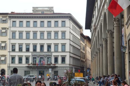 Hotel Roma: Fachada del Hotel
