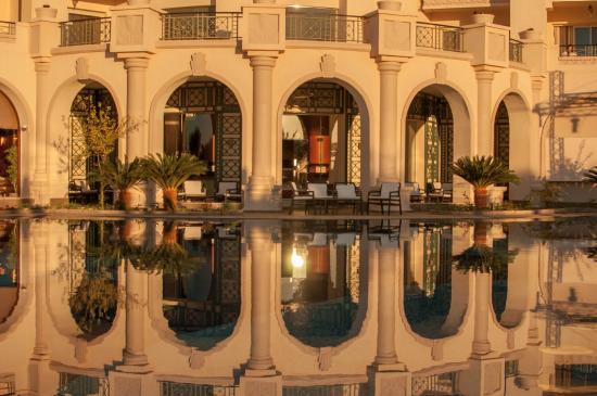 Stella Di Mare Beach Hotel & Spa: Hotel grounds