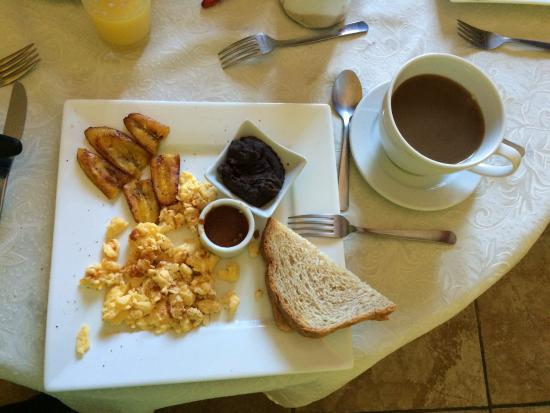 Hotel Casa Bella: Breakfast