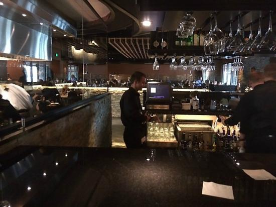 Black Canyon Restaurant Nice U Shaped Bar