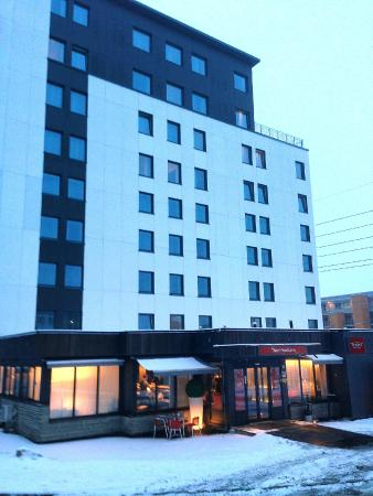 Thon Hotel Linne: Hotellets fasade