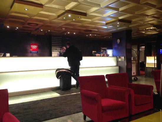 Thon Hotel Linne: Resepsjonen