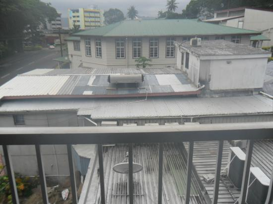 Southern Cross Hotel Fiji: It is a view from our balcony.