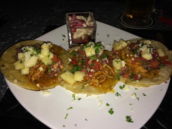 Fuego Bar & Grill: Pibil tacos