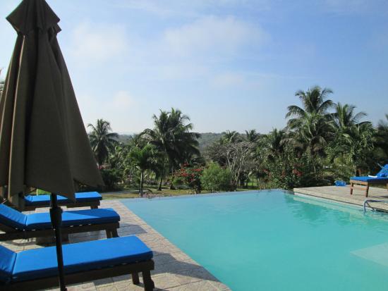 Windy Hill Resort: The pool
