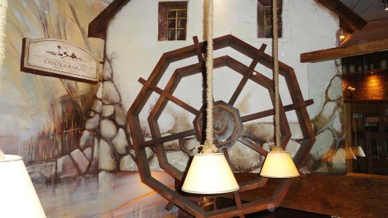 Chatka Babuni : Restaurante