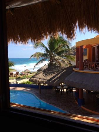 Villa La Bella: The view from our palapa room