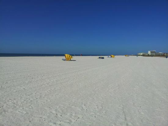 Bilmar Beach Resort: Beach at front of Bilmar