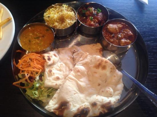 Non vegetarian thali indian food fair on a plate for Awesome cuisine categories vegetarian