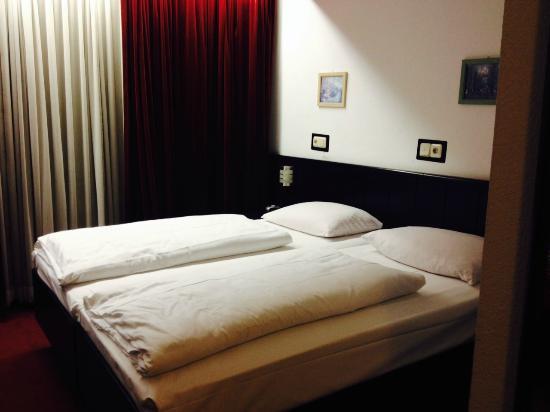 Hotel Zentrum: Vista de la habitación