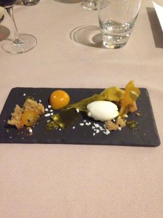 Marc Fosh : postre, mango con fruta de la pasion yogurt y aceite de oliva