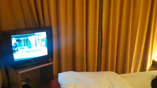 Apart Hotel La Fayette: TV convencional, mas com canais a cabo