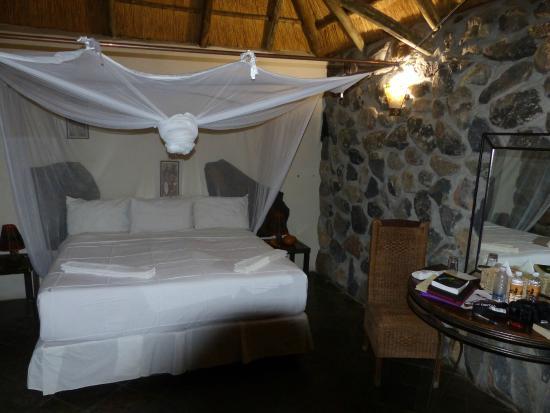 Thamalakane River Lodge: Very comfortable place to sleep!!