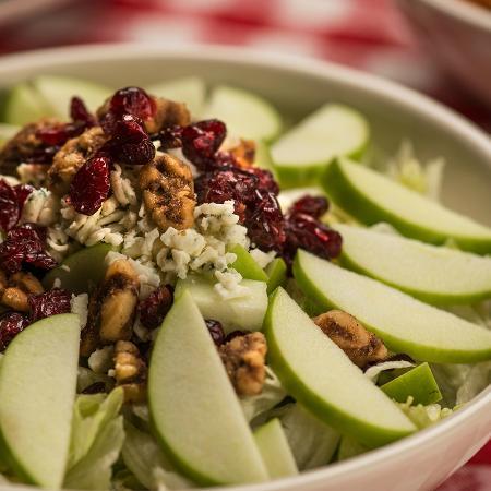 Buca di Beppo Italian Restaurant: Apple Gorgonzola Salad