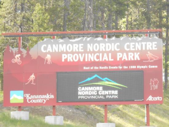 Canmore Nordic Centre Provincial Park: A entrada no parque.