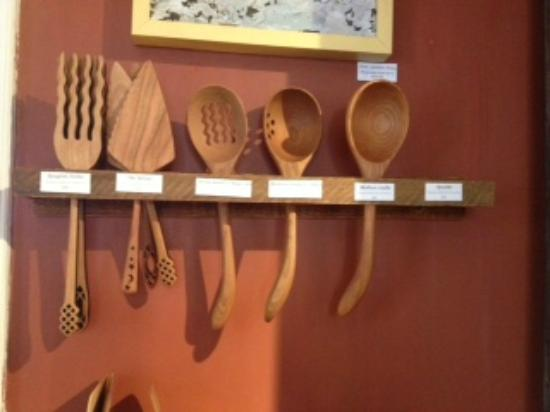 DaVallia Art & Accents: Carved Wooden Utensils