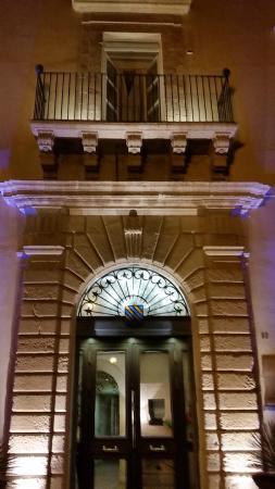 Algilà Ristorante: Entrada Hotel Algilà