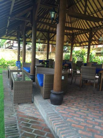Fat Yogi Cottages: New dinning area
