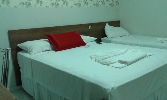LG Hotel: Cama casal