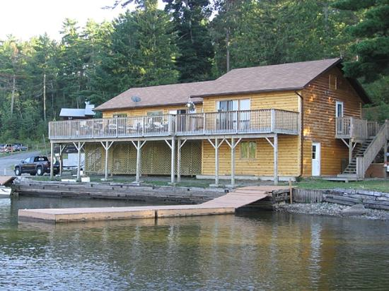 Meline 39 s lodge reviews photos nestor falls ontario for Canadian fishing trips cheap