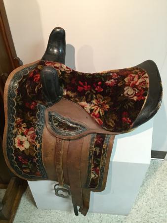Abilene, KS: Beautiful woman's side-saddle