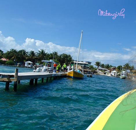 Sobre Las Olas: Pulling in on the boat dock