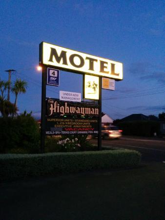 Highwayman Motel