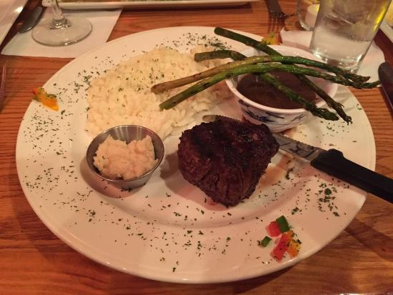 The Vine: Filet and horseradish mashed potatoes
