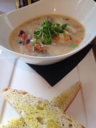 River Restaurant and Vineyard: Seafood Chowder