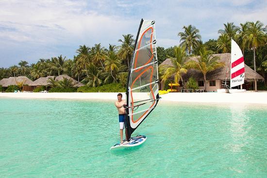 Veligandu Island Resort & Spa: Wind Surfing