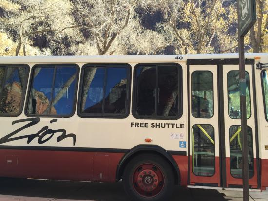 Majestic View Lodge: Zion shuttle bus