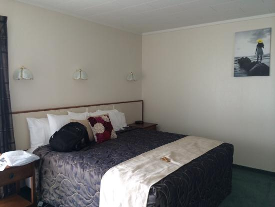 Fiordland Lakeview Motel and Apartments: Bedroom