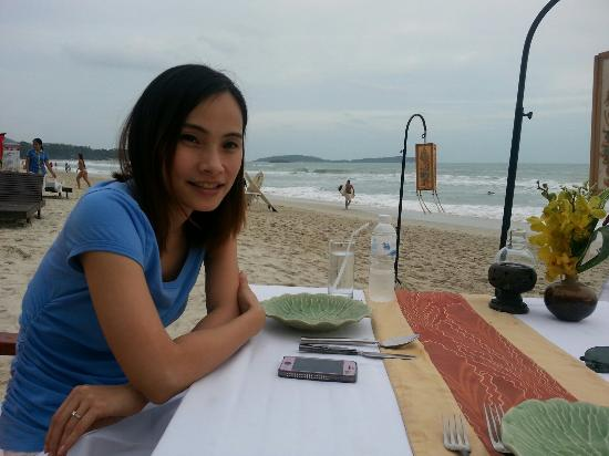 Eat Sense Beach Restaurant Samui : Eat sense waiting seafood basket