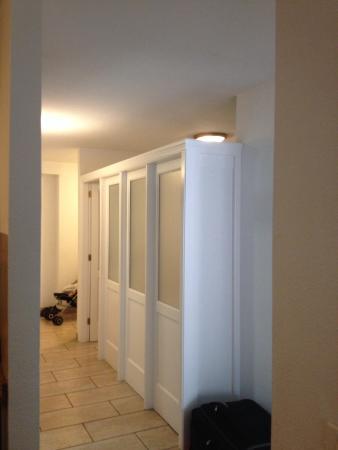 Dragos Del Sur: Bedroom