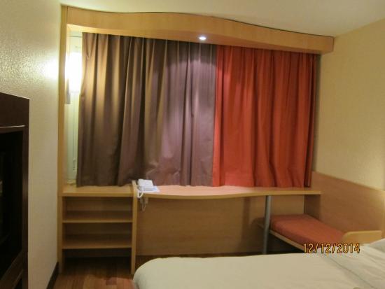 Ibis Strasbourg Centre Halles: La chambre 2