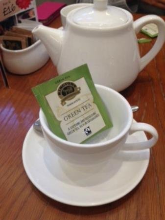 Cafe 21 at Fenwick: Green tea - I warmed to the serve and DIY eventually