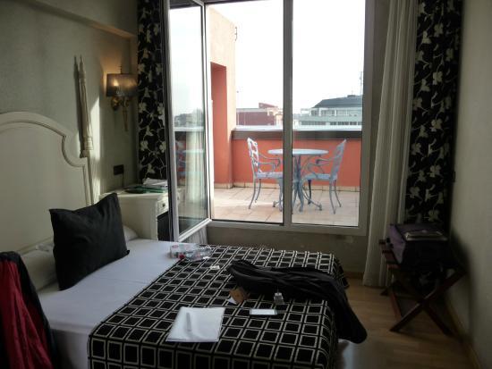 chambre 609 avec demande de lits s 233 par 233 s picture of salles hotel pere iv barcelona tripadvisor