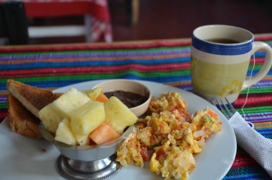 Mañanas Hotel: free breakfast