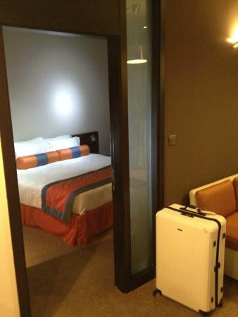 Lotus Hotel Apartments & Spa, Dubai Marina: Quarto