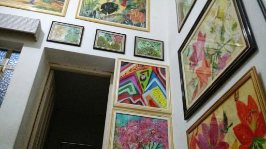 Hotel Das Fronteiras : Peculiaridade, todas as paredes são cheias de quadros.