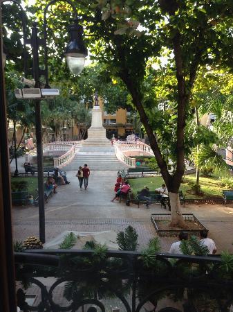 Hotel Mansion Merida on the Park: Blick in den Park