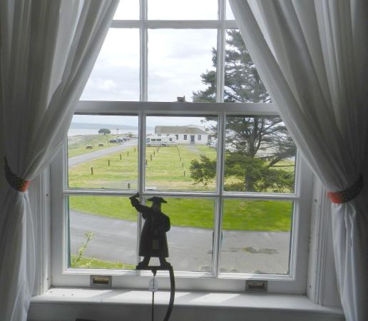 The Commander's Beach House: View from a window,2013