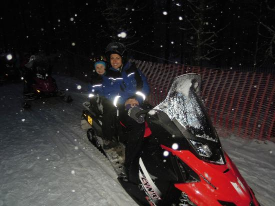 Lapland Hotel Luostotunturi: Snowmobiling