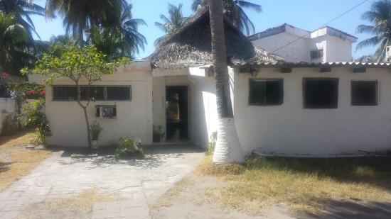 Hotel Paseo del Sol: entrance