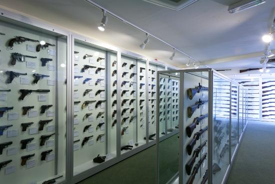 Maldon, UK: The Donnington firearms collection