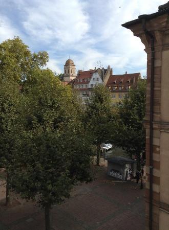 Hôtel des Arts: Вид из окна