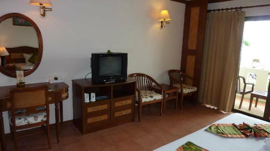 Khaolak Sunset Resort: Fernseher