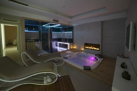 Spa suite picture of zen wellness gallipoli tripadvisor for A zen salon colorado springs